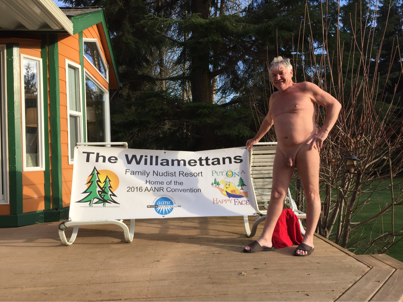 1_George-Rich-with-Willies-Banner